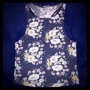 Soft Nollie crop top with floral design
